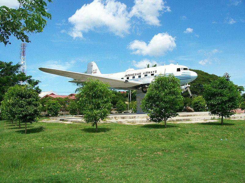 Pesawat Dakota Ri 001 Seulawah Lapangan Blang Padang Banda Aceh