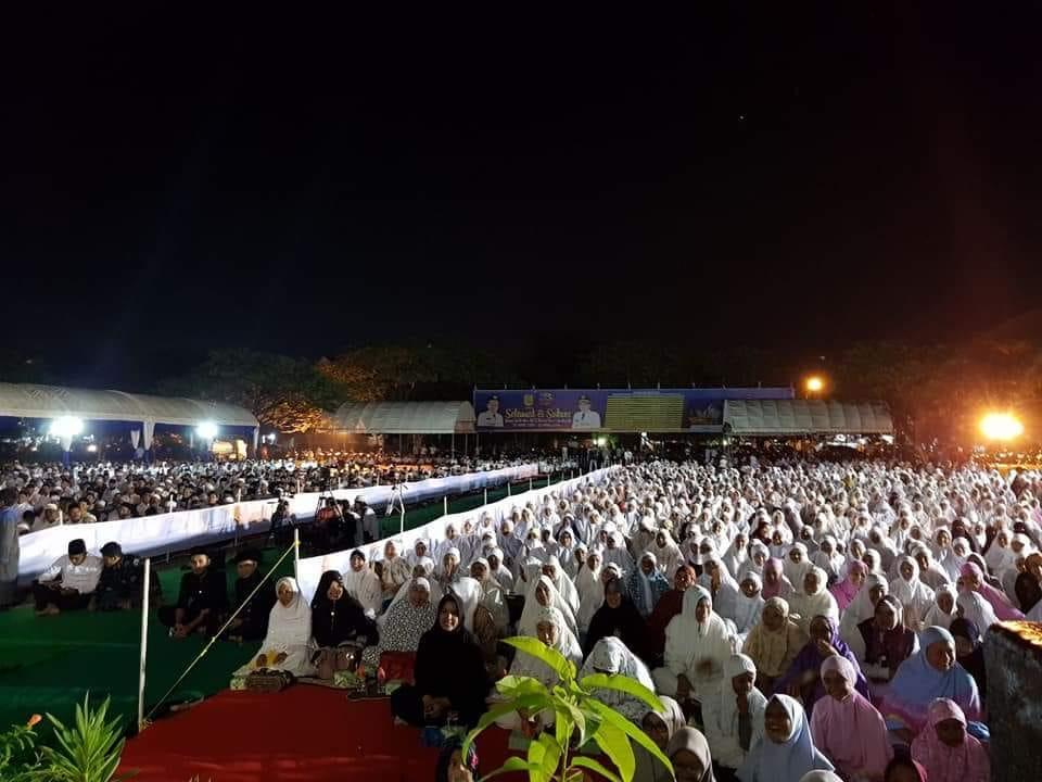 Ribuan Warga Kota Banda Aceh Larut Majelis Zikir Akbar Sekitarnya
