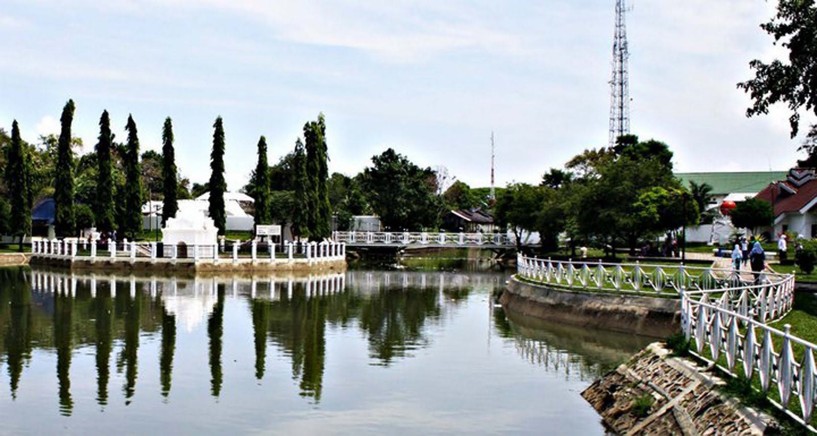 Tour Historic Sights Centrally Located City Banda Aceh Bernamakan Putroe