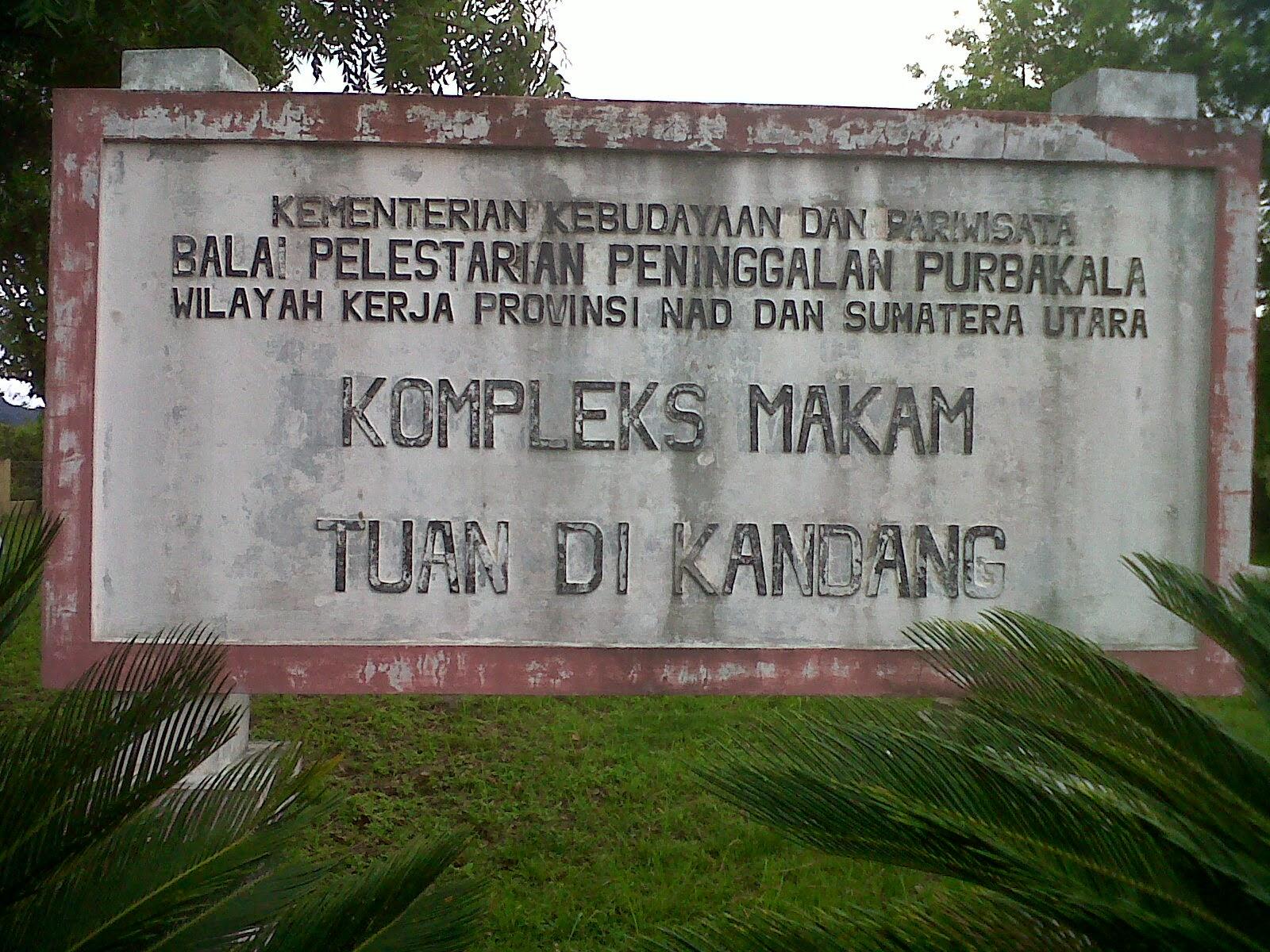 Komplek Makam Tuan Kandang Life Aceh Sultan Xii Kota Banda