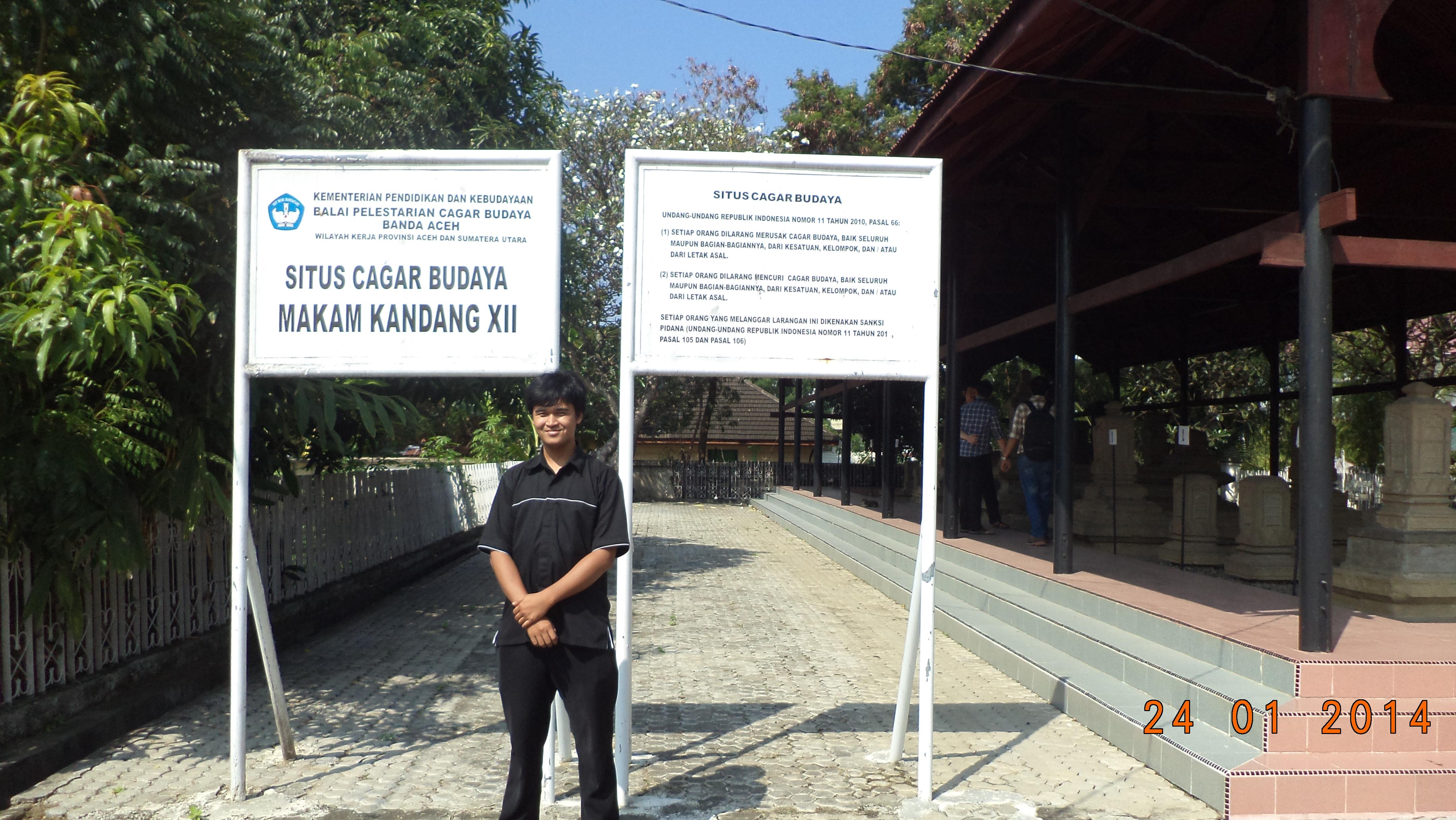 Pertamakali Banda Aceh Write Live Kandang Xii Kompleks Makam Sultan