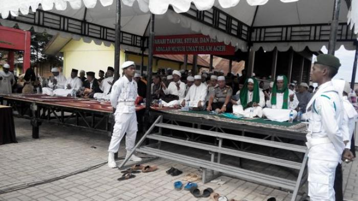 Massa Aswaja Awali Zikir Makam Syiah Kuala Serambi Indonesia Kota