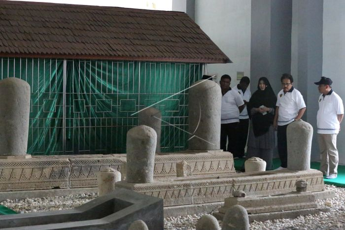 Ziarah Makam Syiah Kuala Antara Foto Walikota Banda Aceh Illiza