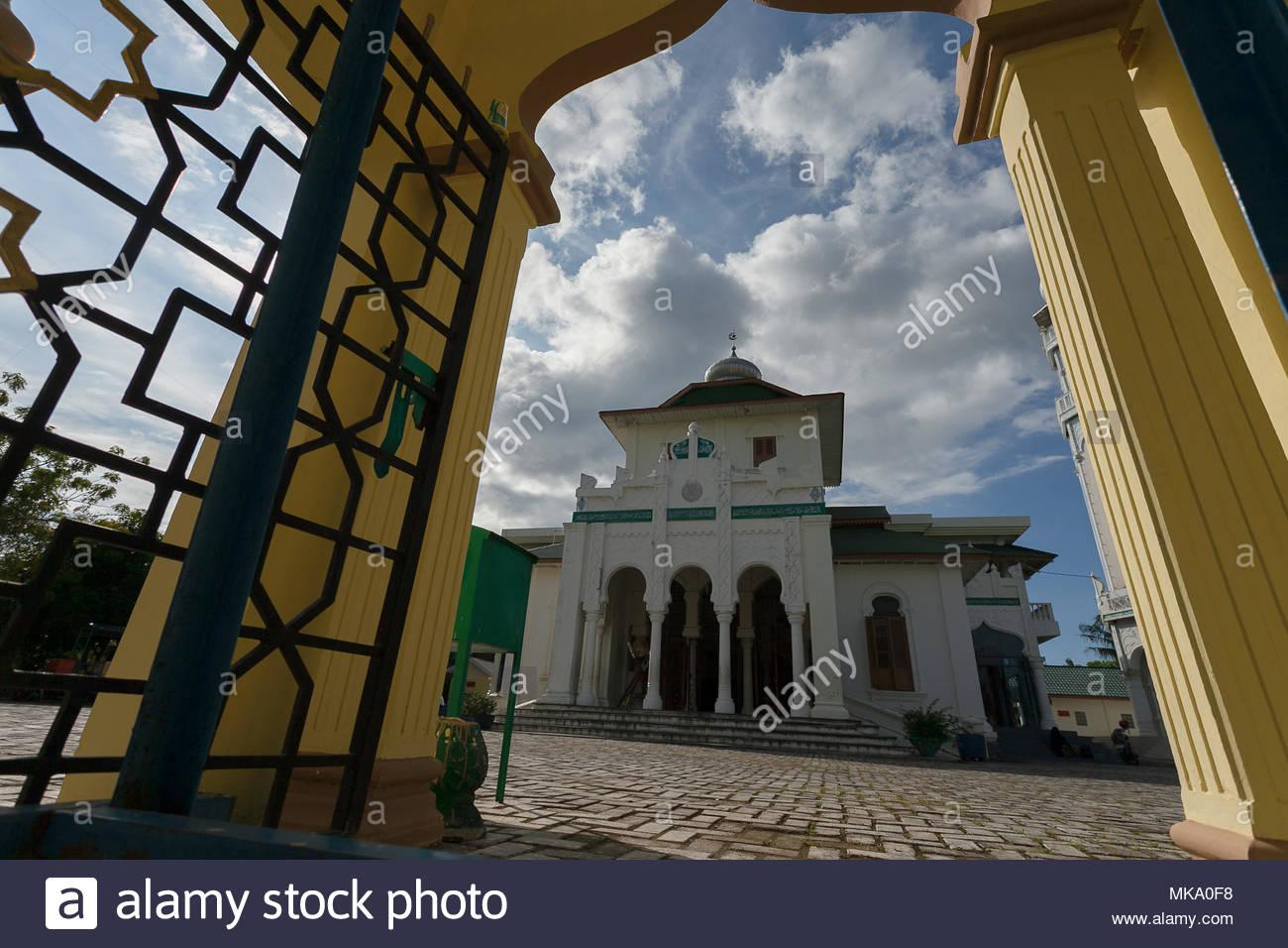 Aceh Besar Stock Photos Images Alamy Masjid Baiturrahim Ulee Lheue