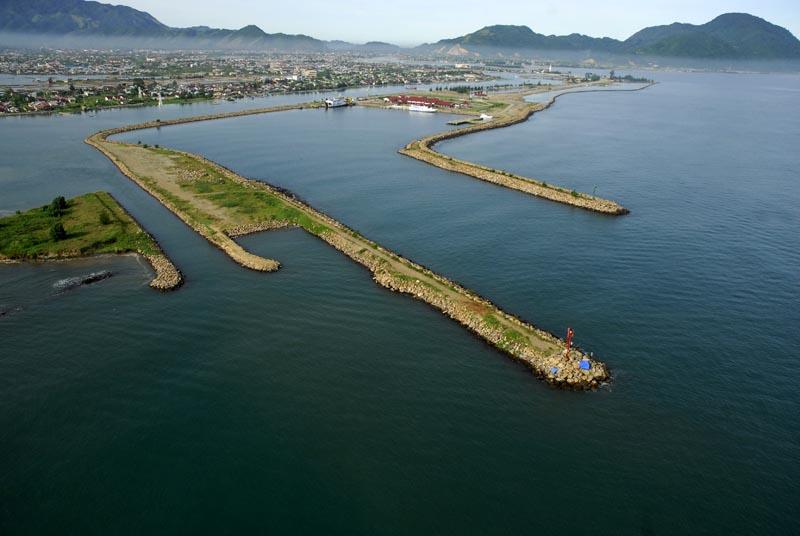 Elcome Blog Pelabuhan Alam Ulee Lheue Sebuah Feri Mengangkut Penumpang