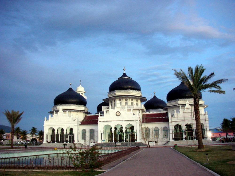 Indonesian Tourism Banda Aceh People Tsunami Masjid Baiturrahim Ulee Lheue