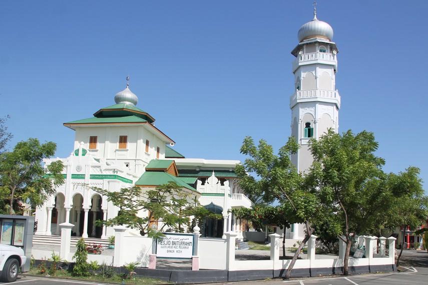 Masjid Baiturrahim Saksi Kedahsyatan Tsunami Ulee Lheue Sejak Era Kesultanan