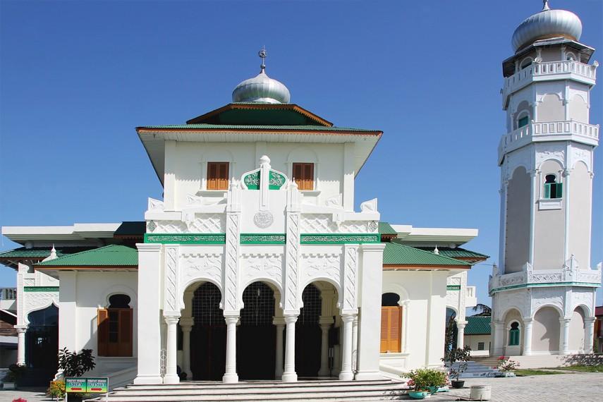 Masjid Baiturrahim Ulee Lheue Bnada Aceh Kota Banda