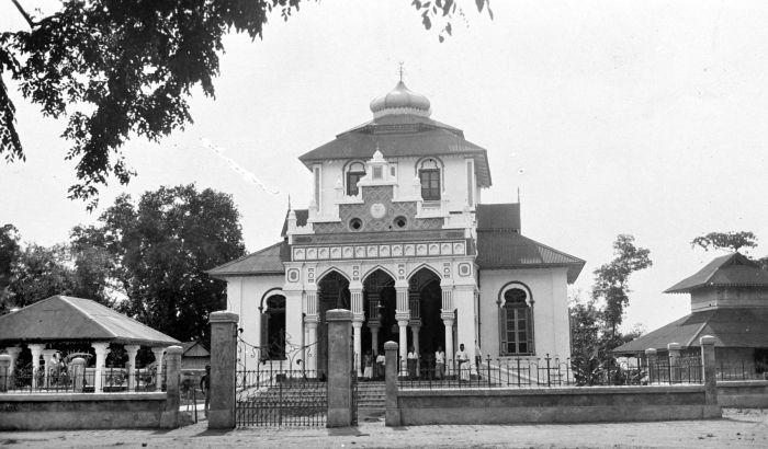 Masjid Baiturrahim Ulee Lheue Wikipedia Bahasa Indonesia Ensiklopedia Bebas Kota