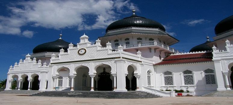 Objek Wisata Masjid Baiturrahim Ule Lheue Kota Banda Aceh Provinsi