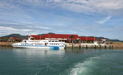 Pelabuhan Ulee Lheue Banda Aceh Model Kota Madani Masjid Baiturrahim