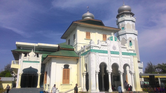 Shalat Dhuha Masjid Baiturrahim Ulee Lheue Kecamatan Meuraxa Kota Banda