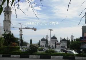 Aceh Banda Kota Madani Bagi Umat Beragama Masjid Raya Baiturrahman