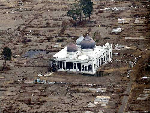 Aceh Masjid Rahmatullah Lampuuk Lhoknga Besar Sekitar 30 Indonesia Baiturrahman