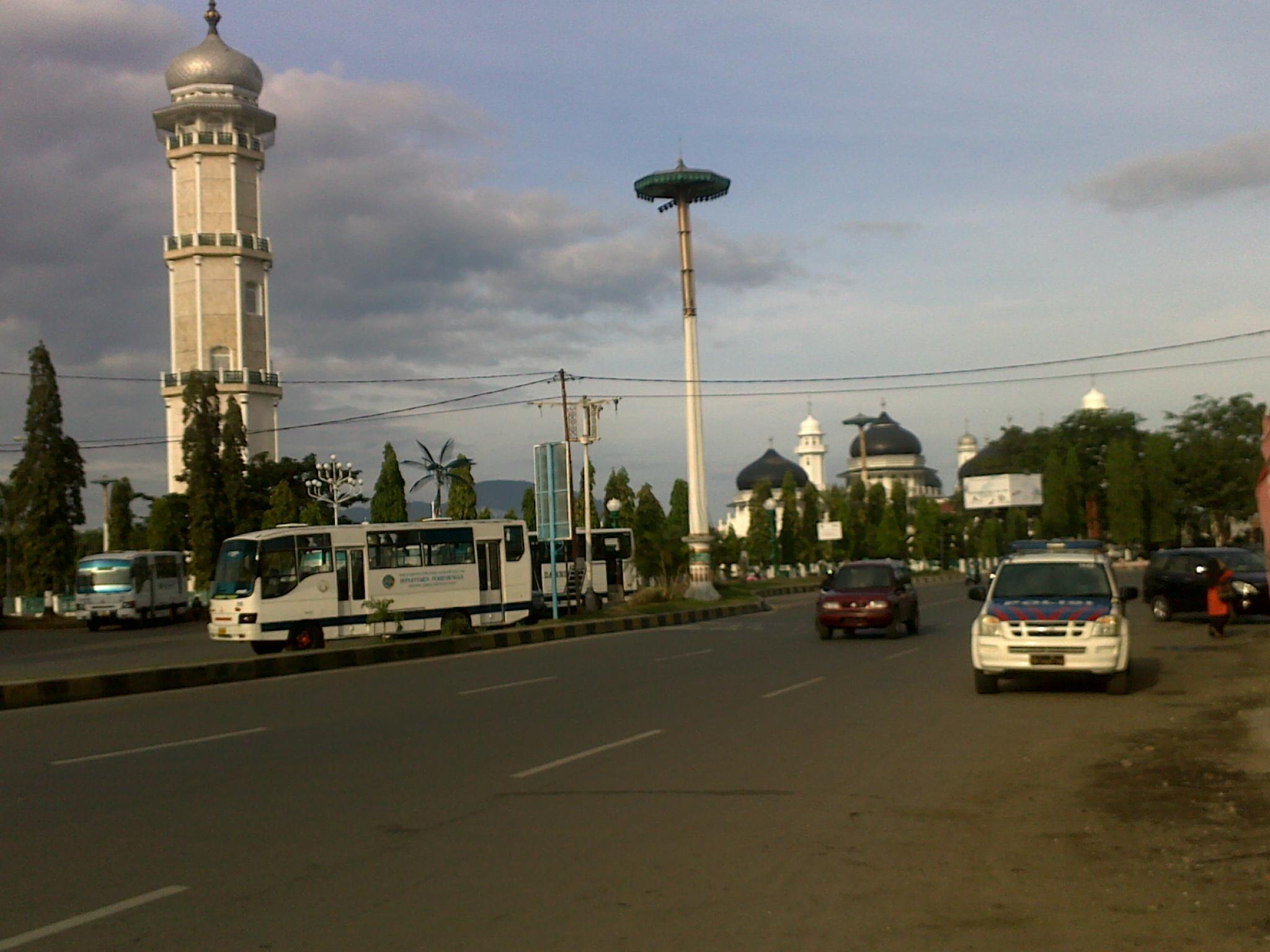 Berkunjung Banda Aceh 3 Masjid Raya Baiturrahman Menara Kota