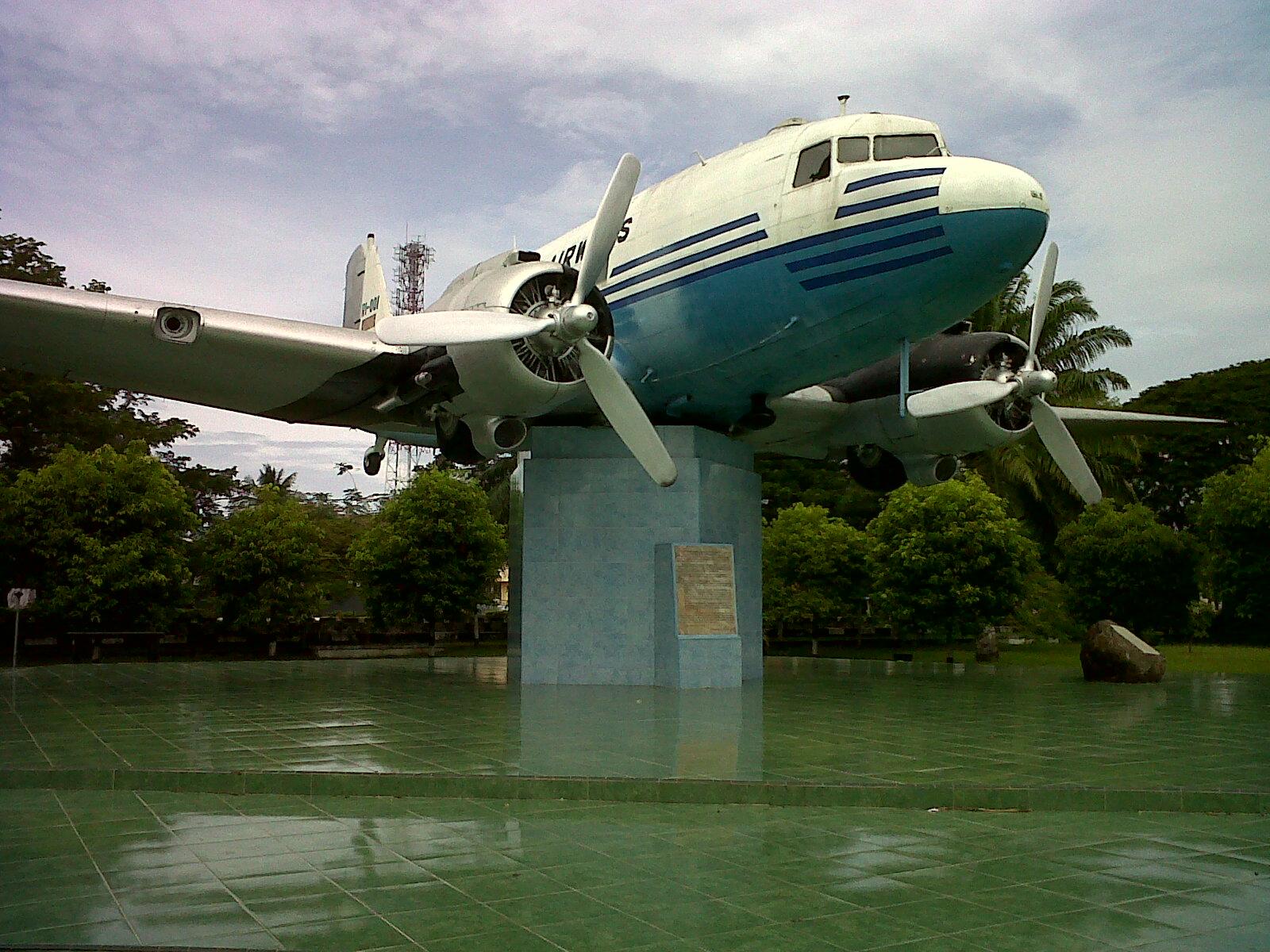 Aceh 10 Hal Bisa Kamu Lakukan Banda Monumen Pesawat Ri