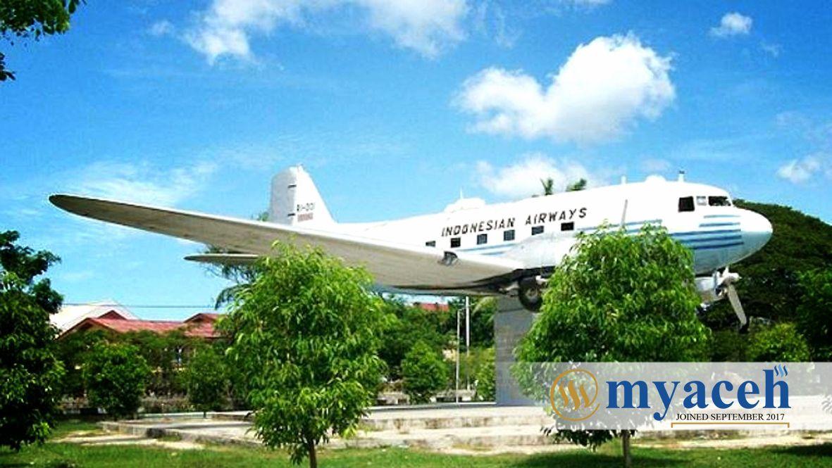 Aceh Indonesia Steemit Pesawat Ri111 Jpg Monumen Kota Banda