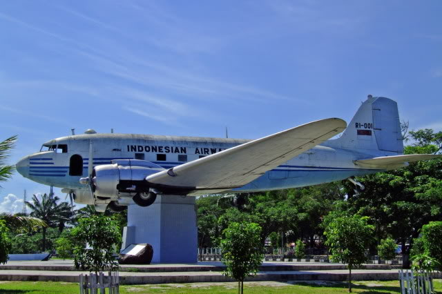 Aceh Tourism 2 Monumen Pesawat Kota Banda