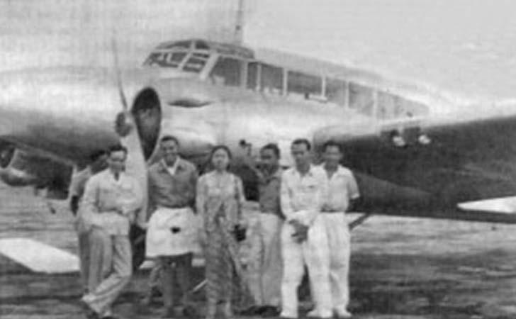 Bukan Aceh Kaum Ibu Minanglah Pertama Beli Pesawat Indonesia Monumen