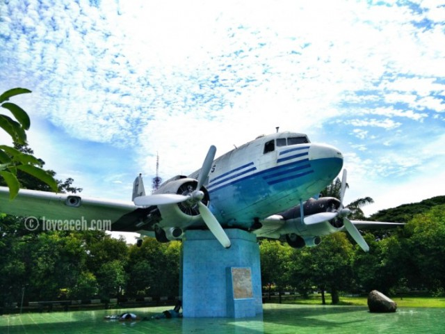 Gloopic Article Mengenang Seulawah Dakota Dc3 Ri 001 Pesawat Angkut