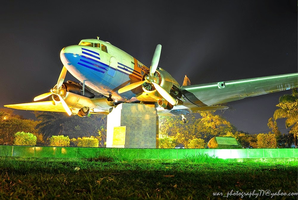 Monumen Pesawat Seulawah Atjeh Traveller Disebut Replika Ri 001 Berbentuk