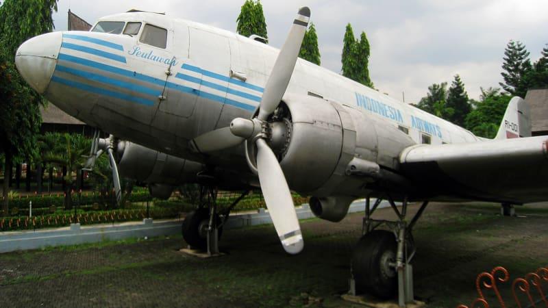 Pesawat Pengumpul Sumbangan Rakyat Aceh Berakhir Celaka Kumparan Seulawah Indonesian
