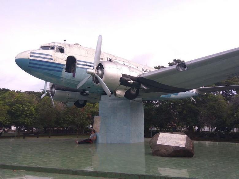 Replika Pesawat Ri Pertama Aceh Pintu Hilang Kaca Pecah Mirisnya