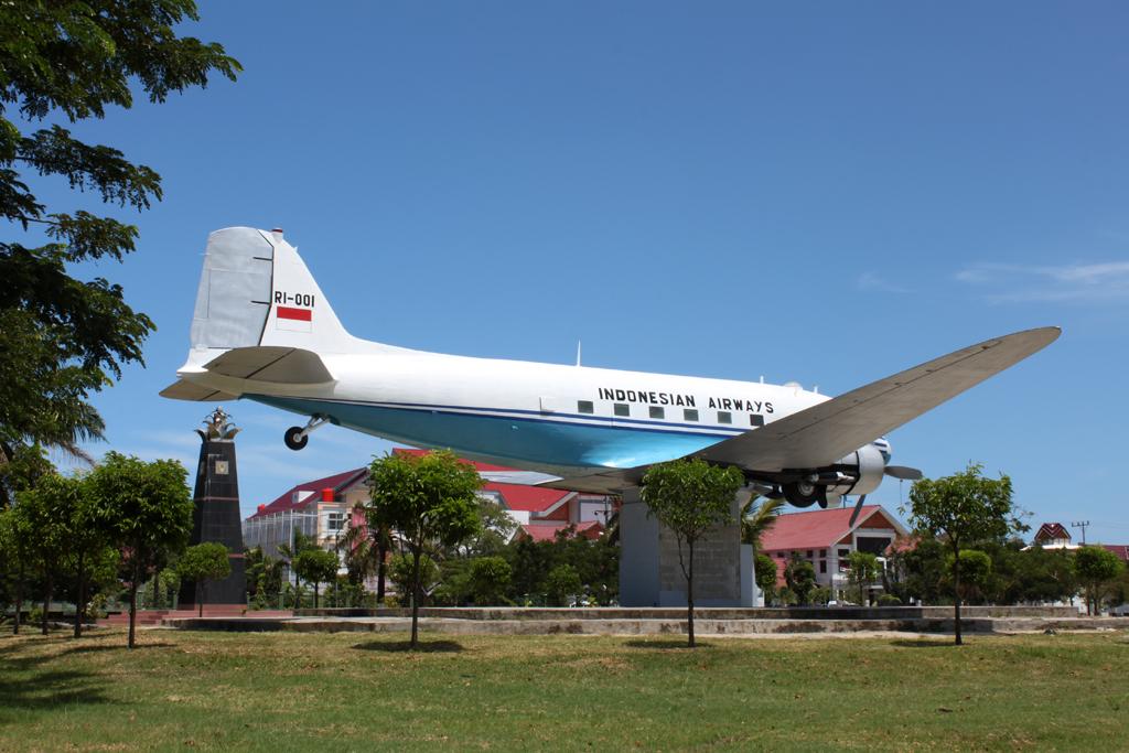 Seulawah Ri Aceh Republik Charming Banda Post Navigation Monumen Pesawat