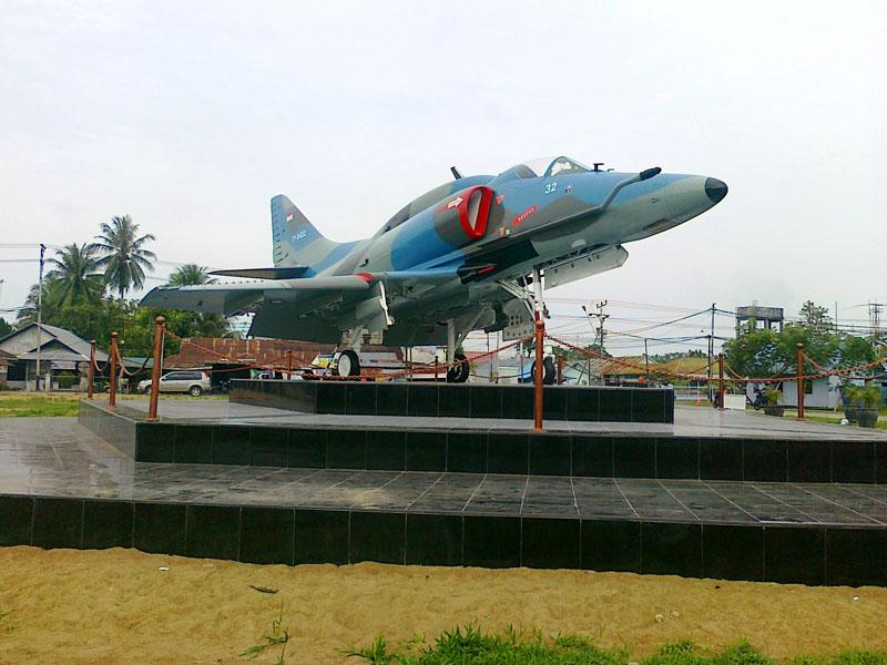Tempat Keren Monumen Pesawat Terbang Instagram Banget Lanud Malang Image