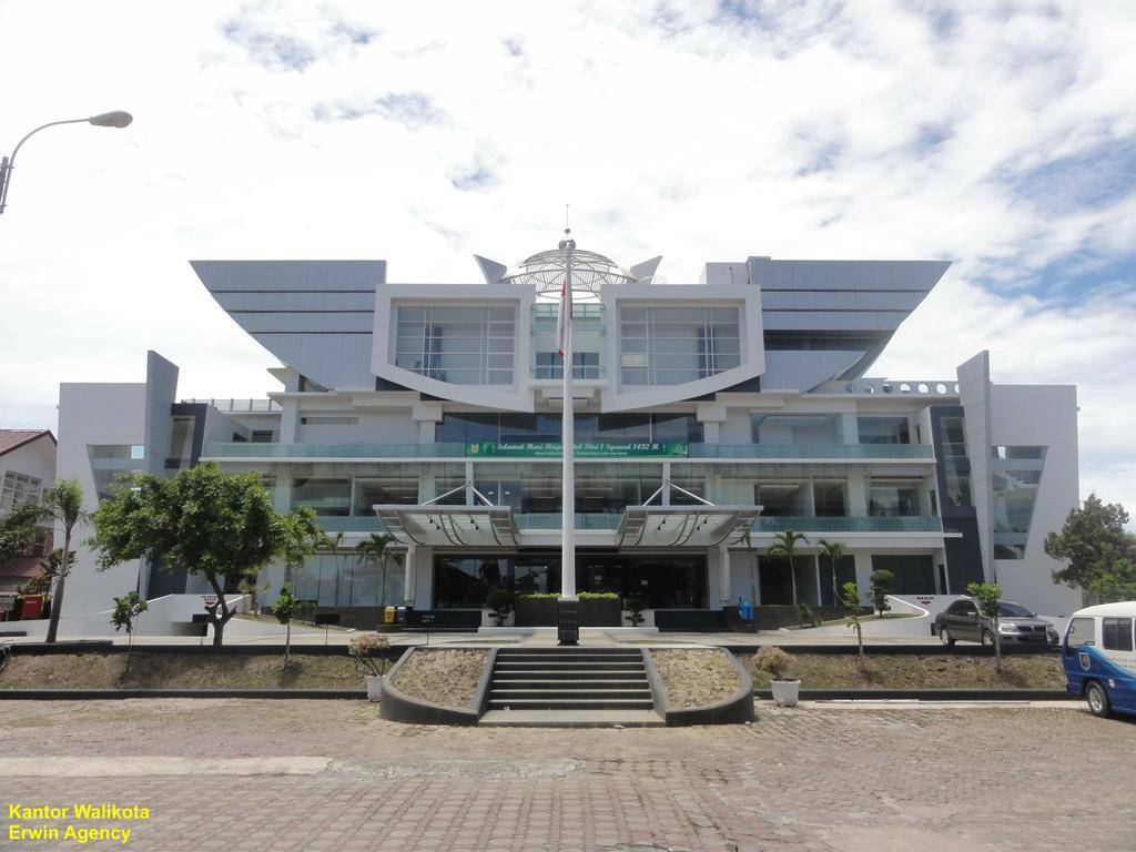 Balai Kota Banda Aceh Model Madani Lantai Museum Negeri