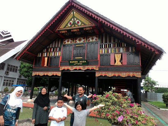 Cakra Donya Bell World Present Laksamana Aceh State Museum Front