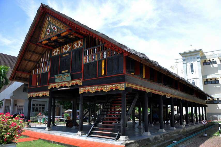 Museum Negeri Aceh Banda Kamera Budaya Kota