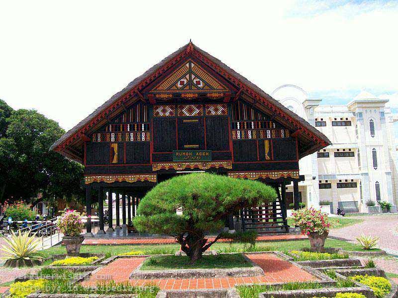 Rumoh Aceh Jpg Selanjutnya Pemerintah Daerah Menunjuk Tk Ii Banda