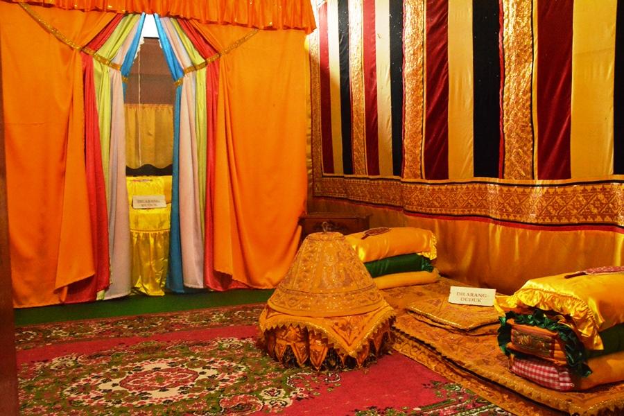 Portal Wisata Indonesia Kamar Tidur Tjut Nyak Dien Museum Rumah