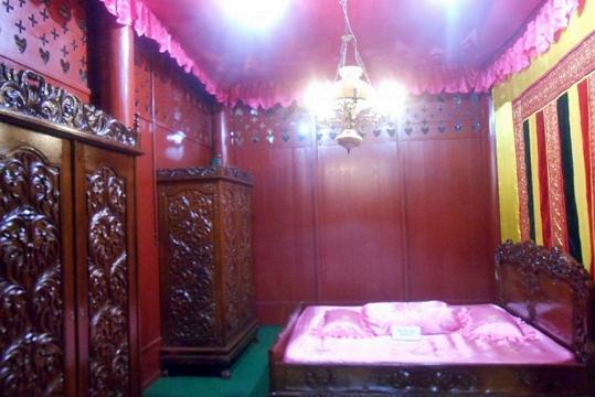 Rumah Cut Nyak Dhien Aceh Besar Sebagai Museum Kamar Dien