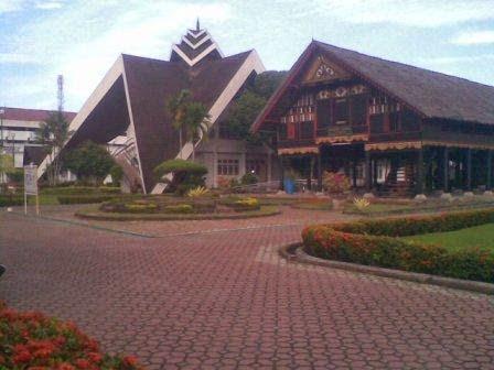 Tempat Wisata Aceh Alamat Museum Negeri Banda Rumah Cut Nyak