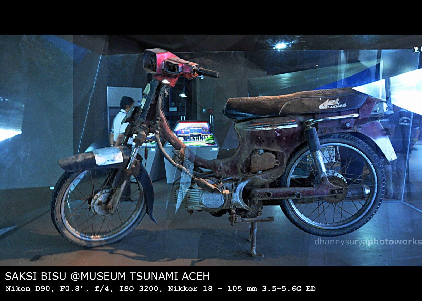 Dhannysurya Photoblog Museum Tsunami Aceh Menjumpai Kendaraan Dipergunakan Mendistribusikan Bantuan