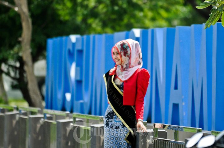Kontestan Duta Wisata Nasional Kunjungi Museum Tsunami Aceh Foto 11