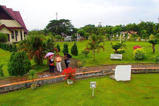 Taman Putroe Phang Picture Gunongan Park Banda Aceh Tripadvisor Photo0