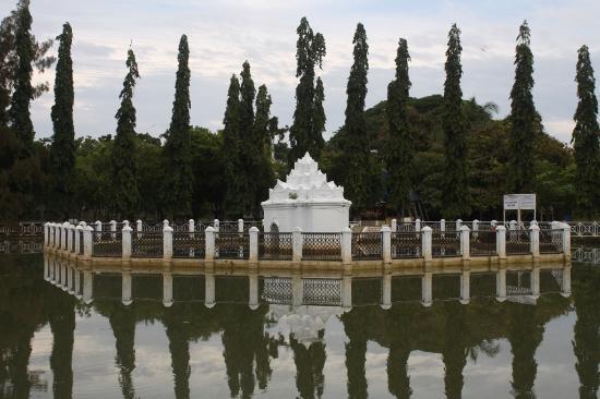 Taman Putroe Phang Picture Gunongan Park Banda Aceh Tripadvisor Pinto