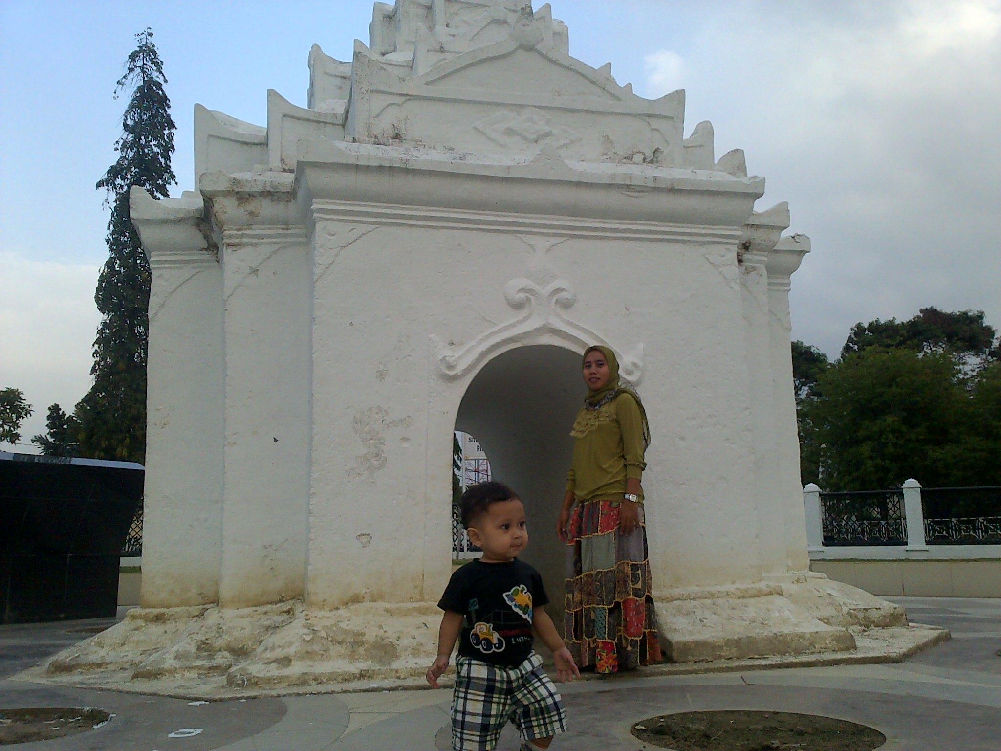 Banda Aceh Asal Mula Rimbakuta Situs Pinto Khop Taman Putroe