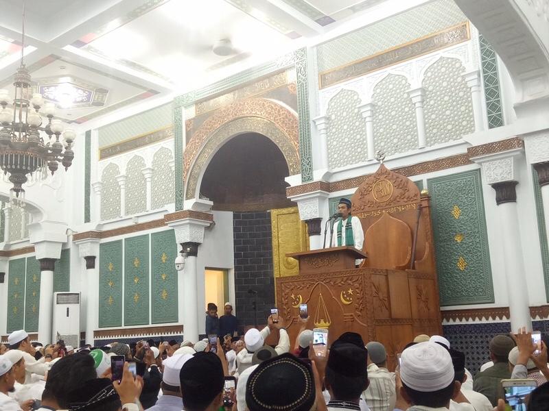 Kisah Ustadz Abdul Somad Menolak Naik Mimbar Khatib Masjid Raya