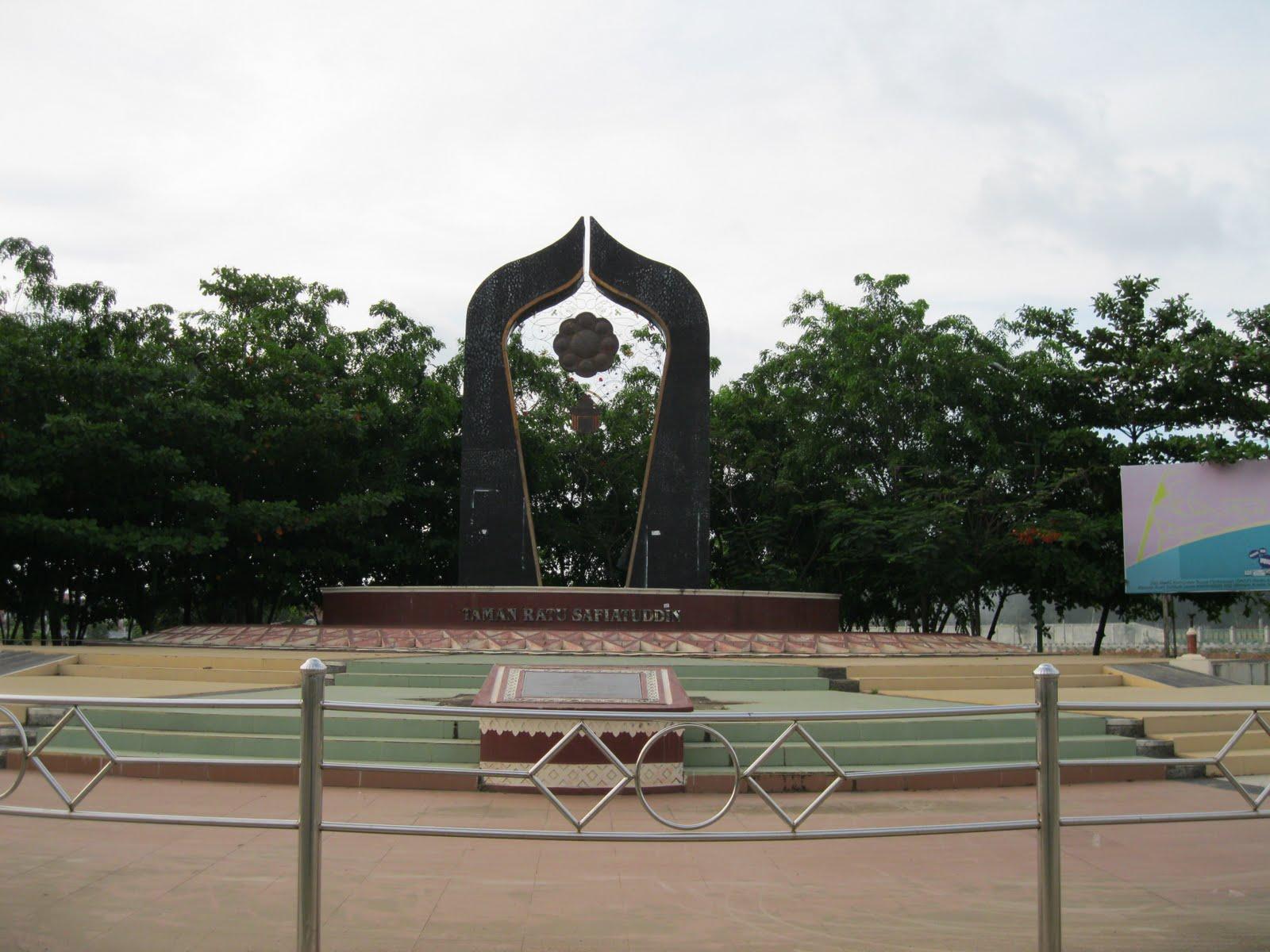 Revitalization Controversial Sites Downtown Banda Aceh Taman Ratu Safiatuddin Kota