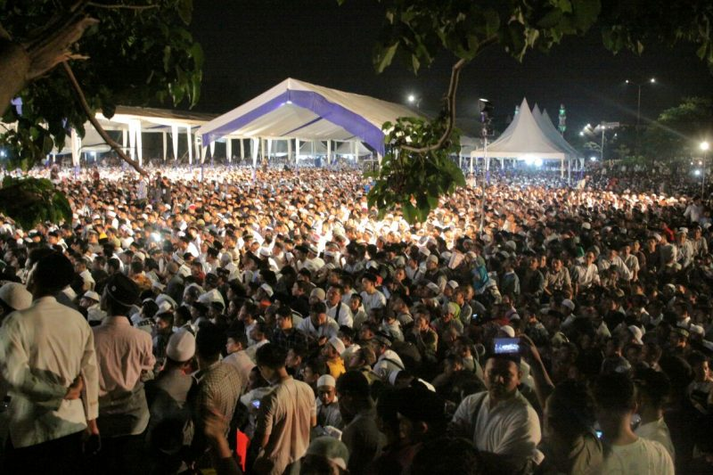 Ribuan Warga Aceh Hadiri Tausyiah Ustadz Abdul Somad Lc Geunta