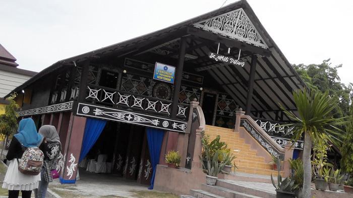 Taman Ratu Safiatuddin Mininya Aceh Halaman Panggung Utama Serambi Indonesia