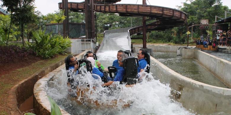 Limakaki Wahana Impian Malaka Hydrolift Sebuah Jungleland Adventure Theme Park