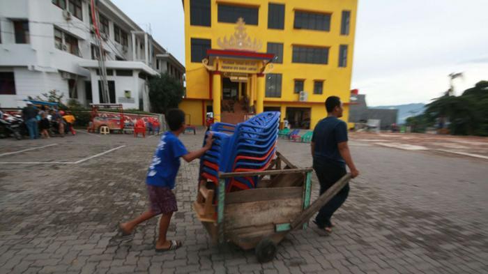 Foto 30 Pedagang Lungsir Pindah Halaman Kantor Pemkot Bandar Lampung