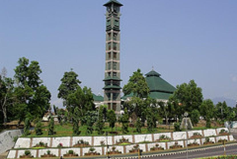 Masjid Terbesar Lampung Ditengarai Jadi Tempat Mesum Republika Al Furqon