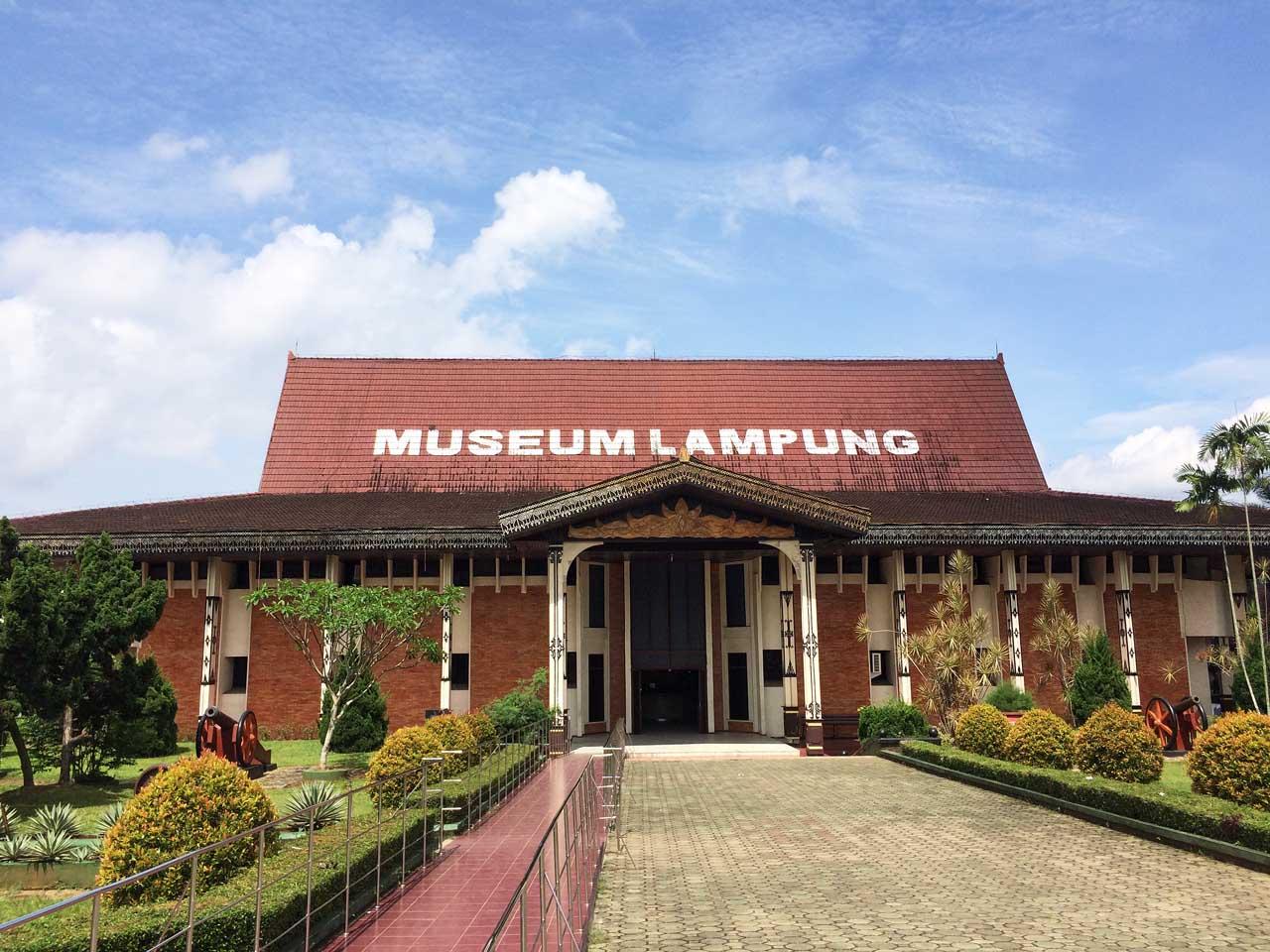 Lebih Dekat Koleksi Museum Lampung Cerita Foto Yopiefranz Musium Kota
