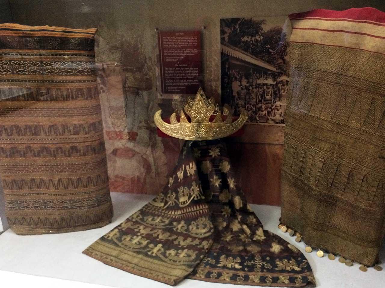 Lebih Dekat Koleksi Museum Lampung Cerita Foto Yopiefranz Yopie Pangkey